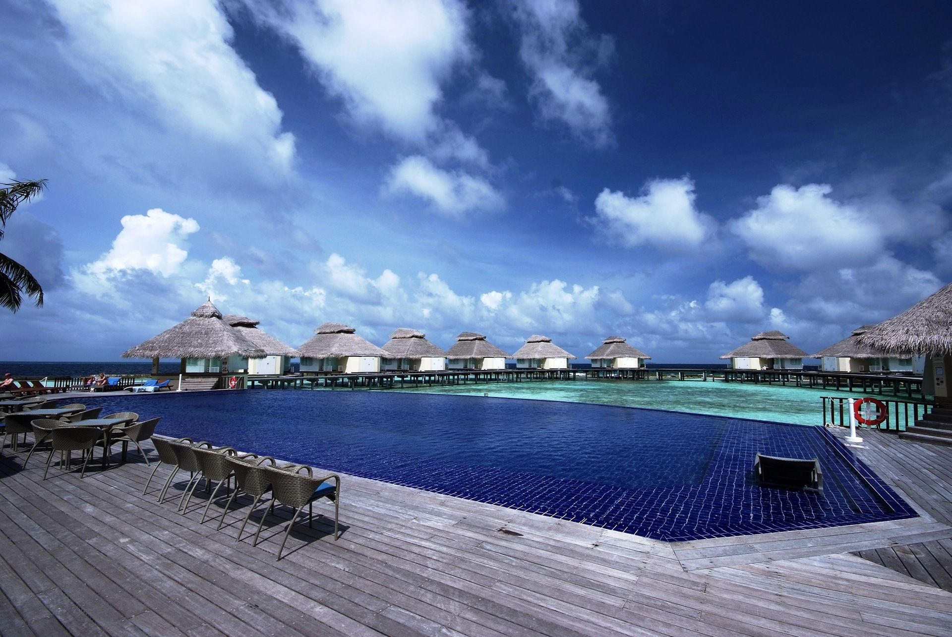 H tel chaaya reef ellaidhoo 4 en chambre sup rieure for Sejour complet maldives
