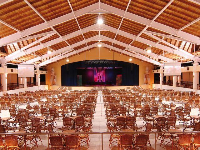 show hotel barcelo punta cana22 10397
